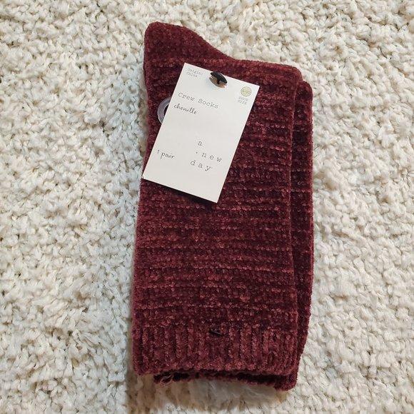 A New Day Burgundy Chenille Socks